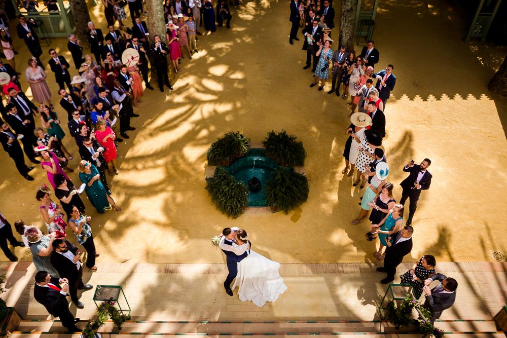 fotografo de bodas en sevilla, fotografia natural de bodas, villa luisa, sevilla, plaza españa,